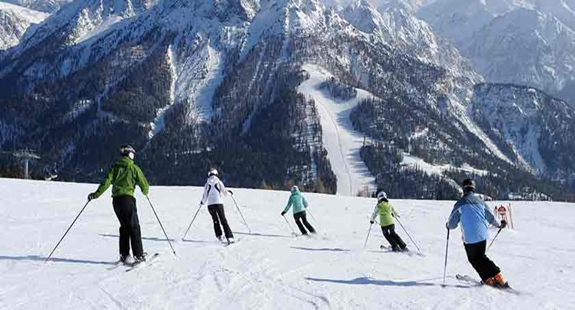 Italy_The-Dolomites-Ski-Area_Kronplatz_Skiers-action.jpg