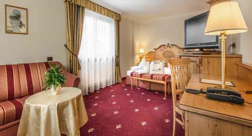 italy_dolomites_la_villa_hotel_christiania_large_room.jpg