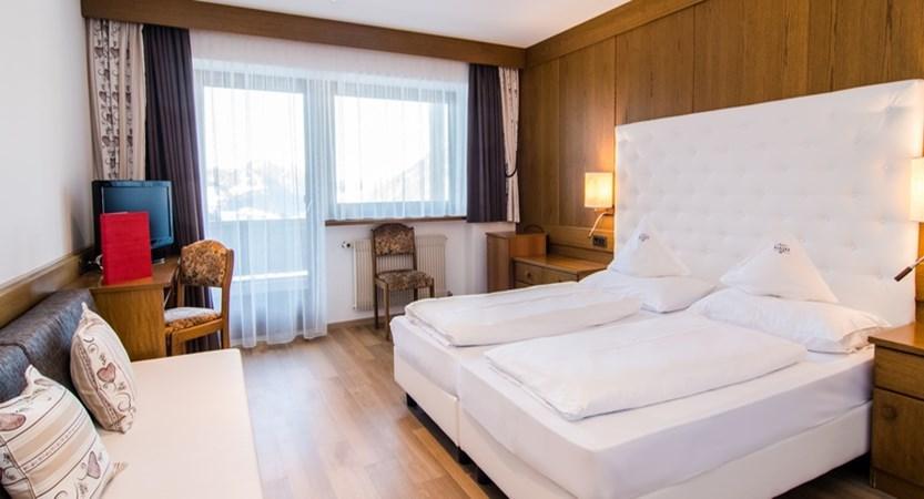 italy_dolomites_selva_hotel-alaska_bedroom.jpg