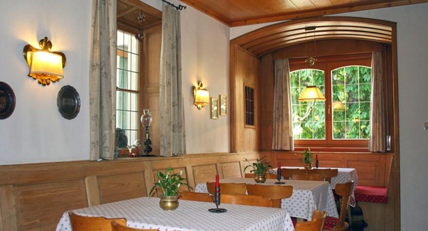 Italy_The-Dolomites-Ski-Area_Ortisei_hotel_dolomiti_madona_bar.jpg