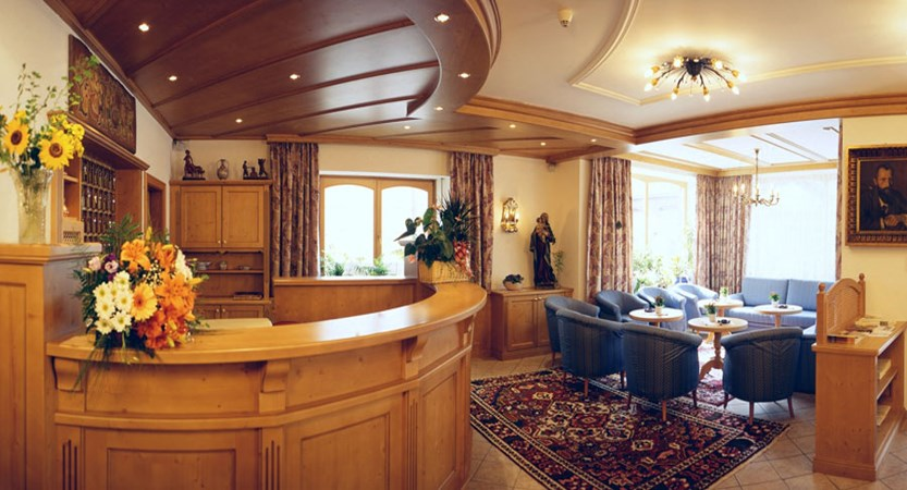 Italy_The-Dolomites-Ski-Area_Ortisei_hotel_dolomiti_madona_reception.jpg