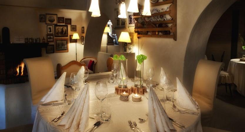 Italy_San-cassiano_Hotel-fanes_Dining-room2.jpg