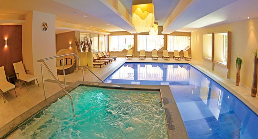 Italy_San-cassiano_hotel_diamant_indoor_pool.jpg