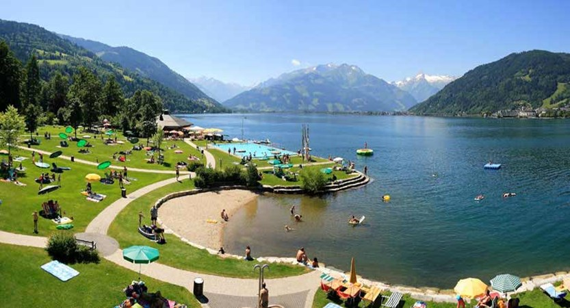 Zell am See, Austria - Strandbad Thumersbach panoramic view.jpg
