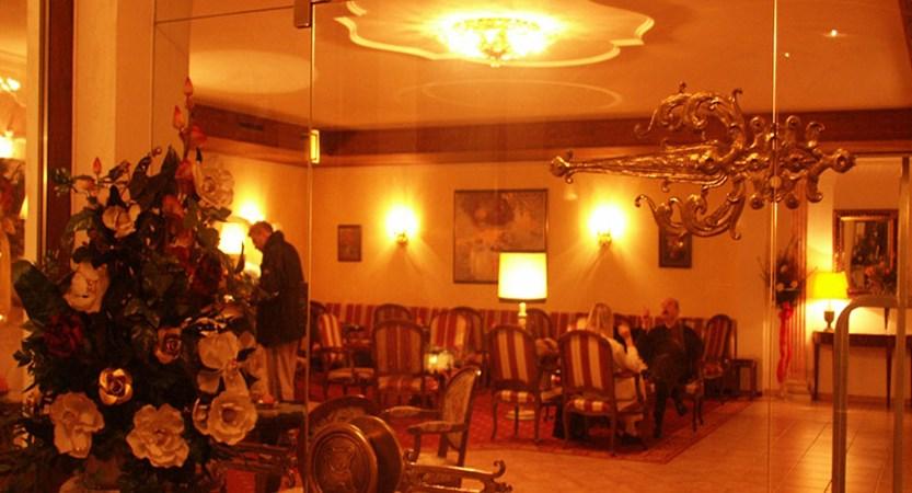 Hotel Berner, Zell am See, Austria - lounge.jpg