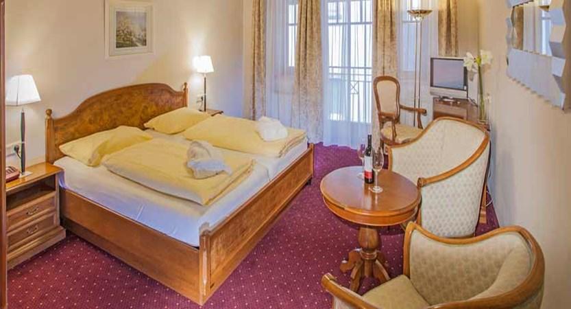 Hotel Feinschmeck, Zell am See, Austria - standard room.jpg