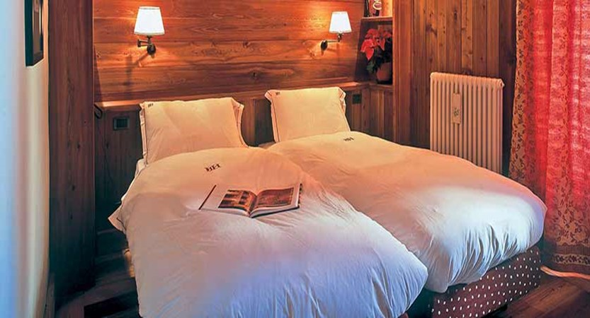 Chalet Hotel Breithorn, Champoluc, Italy - deluxe bedroom.jpg