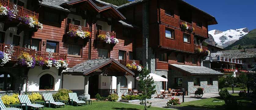 Hotel Relais Des Glaciers, Champoluc, Italy - exterior.jpg