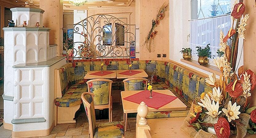 Italy_Dolomites_Ski_Area_Val_di_fassa_hotel_piccolo_dining_room.jpg