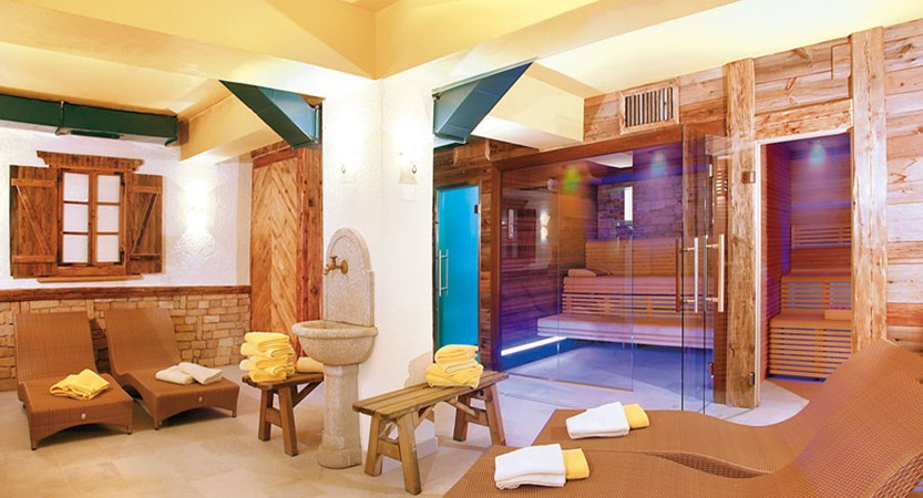 italy_dolomites_canazei_hotel-dolomiti_wellness-centre.jpg