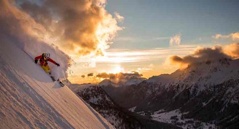 italy_dolomites_val-di-fassa_skier.jpg