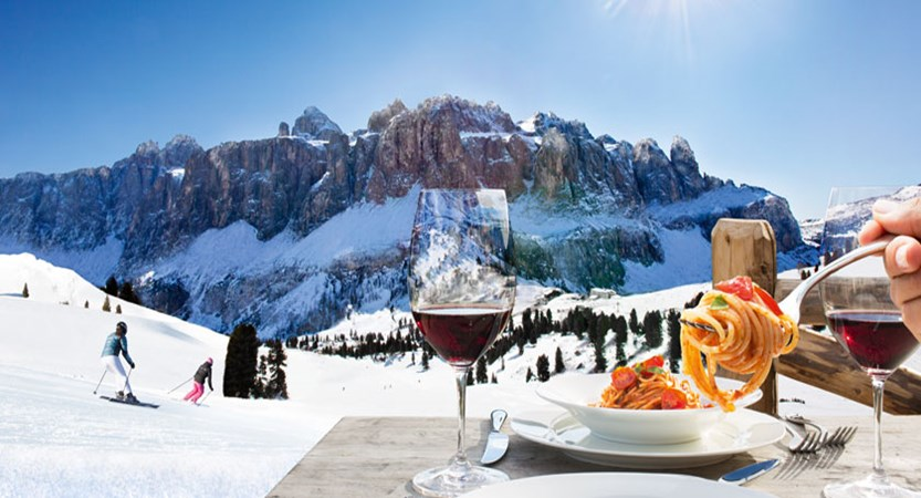 Italy_The-Dolomites-Ski-Area_Dinner-mountain-view.jpg