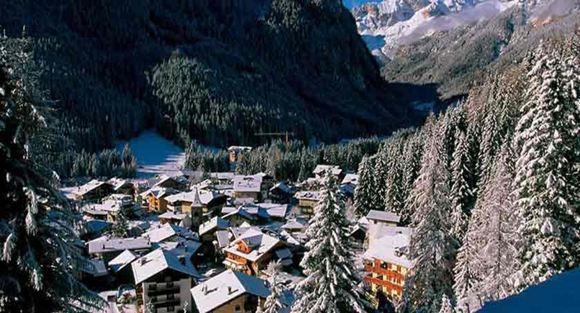Italy_The-Dolomites-Ski-Area_Resort-view2.jpg