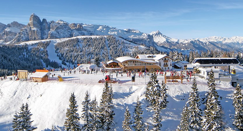 Italy_The-Dolomites-Ski-Area_Resort-view-la-villa.jpg