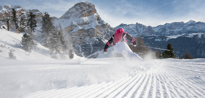 Italy_The-Dolomites-Ski-Area_Skier-action.jpg