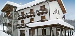 italy_milky-way-ski-area_sauze-doulx_park_hotel_gran_bosco_exterior.jpg