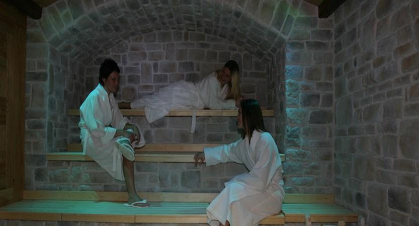 italy_milky-way-ski-area_sauze-doulx_grand-hotel-besson_sauna.jpg