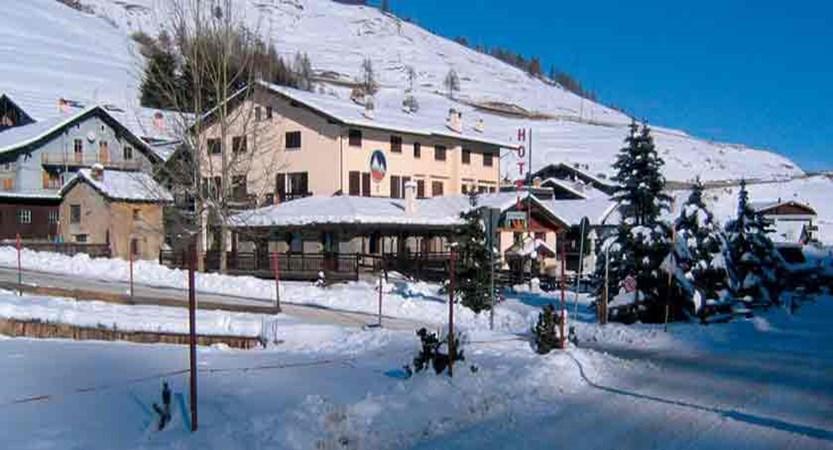 Sestriere Banchetta apartments exterior - Italy milky way ski area
