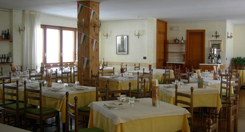 italy_milky_way_ski_area_sestriere_hotel_sud_ovest_dining.jpg