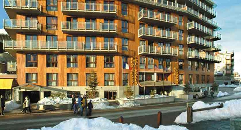 italy_milky_way_ski_area_sestriere_hotel_cristallo_exterior.jpg