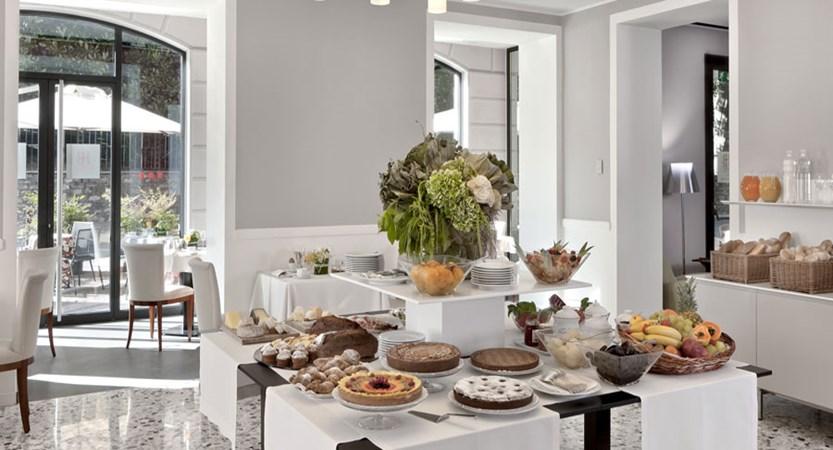 Hotel Belvedere, Bellagio, Lake Como, Italy - Breakfast Buffet Room.jpg