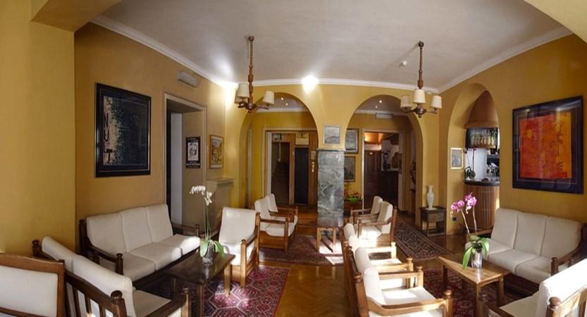 italy_bardonecchia_hotel-des-geneys_lounge.jpg