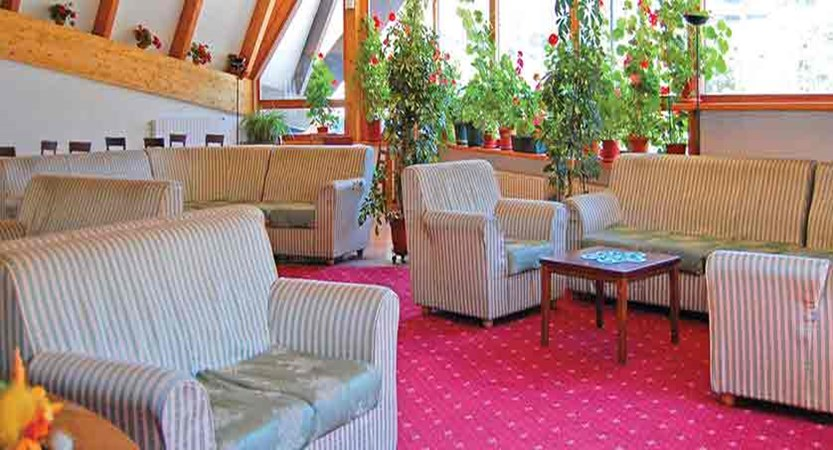 italy_bardonecchia_hotel_la_betulla_lounge.jpg