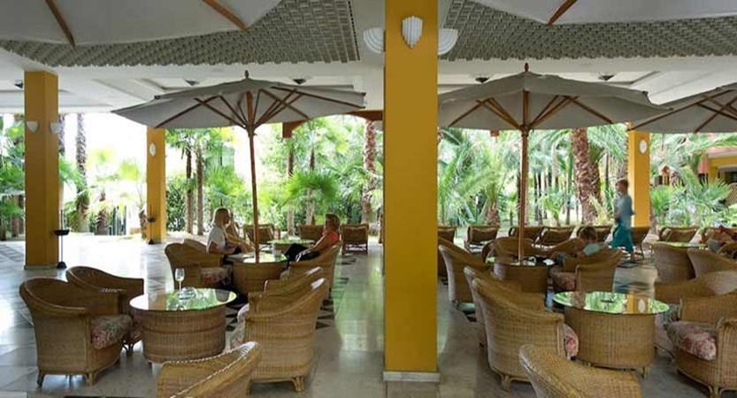 Parc Hotel Gritti, Bardolino, Lake Garda, Italy - Outdoor lounge&bar.jpg