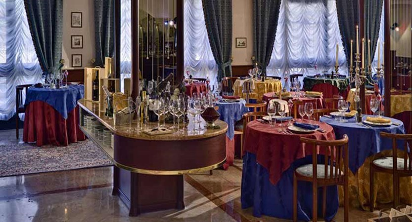 Hotel San Pietro, Bardolino, Lake Garda, Italy - Restaurant.jpg