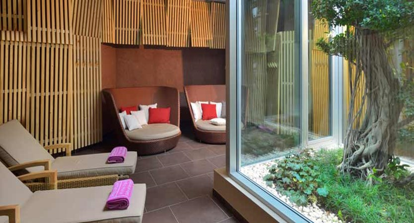 Hotel Aqualux Spa & Suite, Bardolino, Lake Garda, Italy - relaxation area.jpg