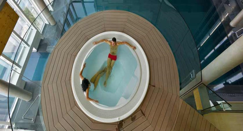 The Aqualux Hotel Spa & Suites, Bardolino, Lake Garda, Italy - whirlpool.jpg