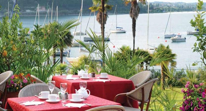 Hotel Du Parc, Garda, Lake Garda, Italy - terrace.jpg