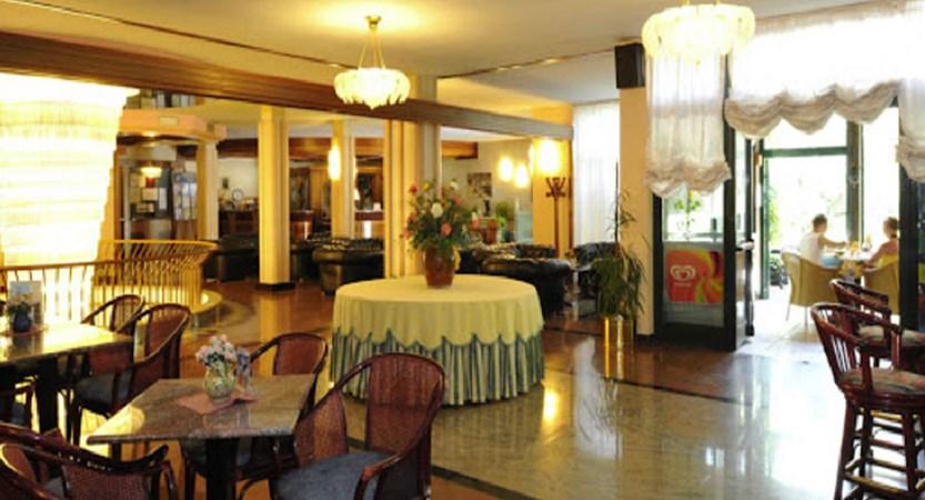 Hotel Park Oasi, Garda, Lake Garda, Italy - bar.jpg