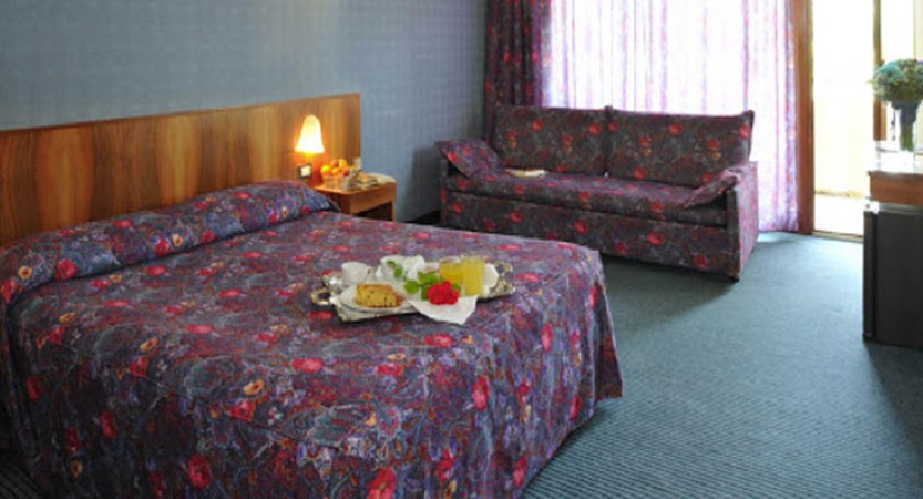 Hotel Park Oasi, Garda, Lake Garda, Italy - bedroom.jpg