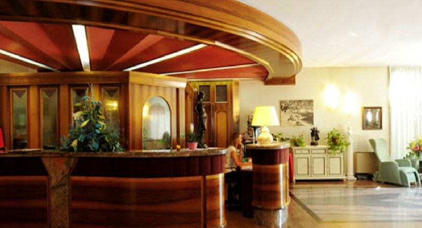 Hotel Park Oasi, Garda, Lake Garda, Italy - reception.jpg