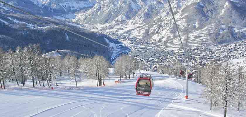 italy_bardonecchia_ski_lift.jpg