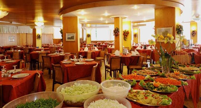 Hotel Palme, Garda, Lake Garda, Italy - Restaurant.jpg
