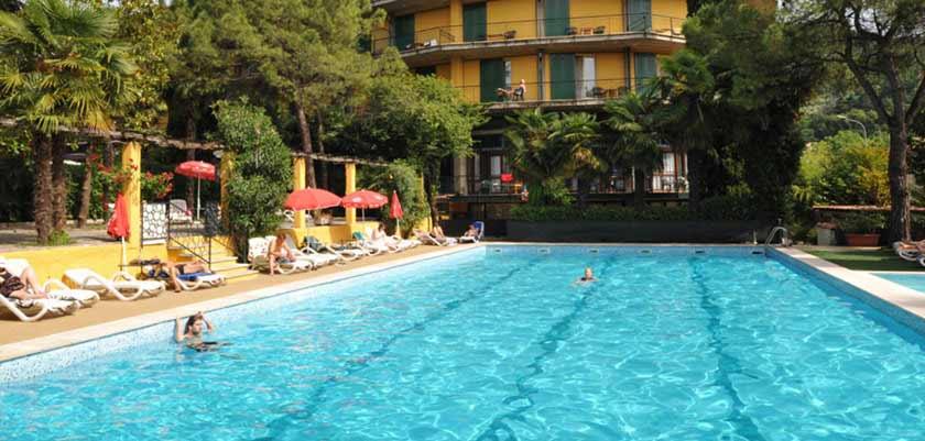 Palme hotel garda italy lakes mountains holidays inghams for Hotels in lake garda with swimming pool