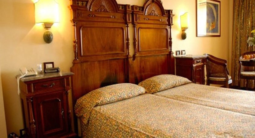 Villa Madrina Hotel, Garda, Lake Garda, Italy - Bedroom.jpg