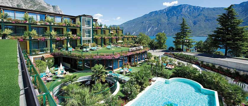 Hotel alexander limone italy lakes mountains inghams for Hotels in lake garda with swimming pool