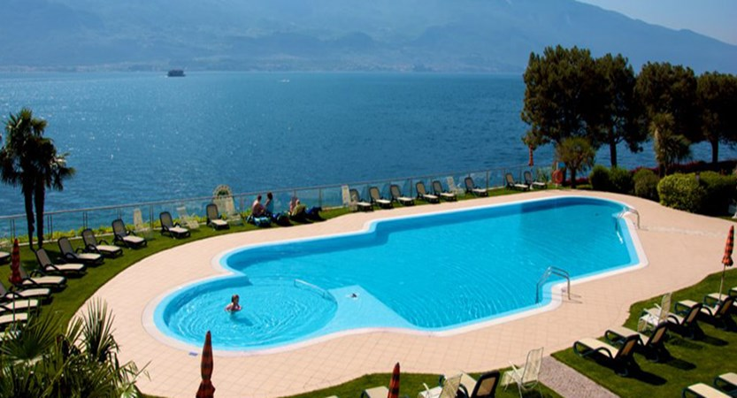 Hotel Du Lac, Limone, Lake Garda, Italy - outdoor pool.jpg
