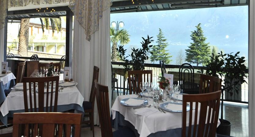 Hotel Garda Bellevue, Limone, Lake Garda, Italy - Restaurant.jpg