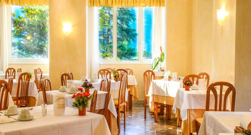 Hotel Sogno del Benaco, Limone, Lake Garda, Italy - Dining room.jpg