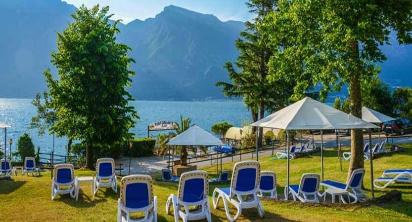 Hotel Sogno del Benaco, Limone, Lake Garda, Italy - Lakeside sun loungers.jpg