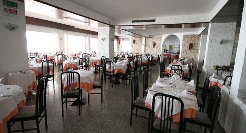 Excelsior Bay Hotel, Malcesine, Lake Garda, Italy - Restaurant.jpg