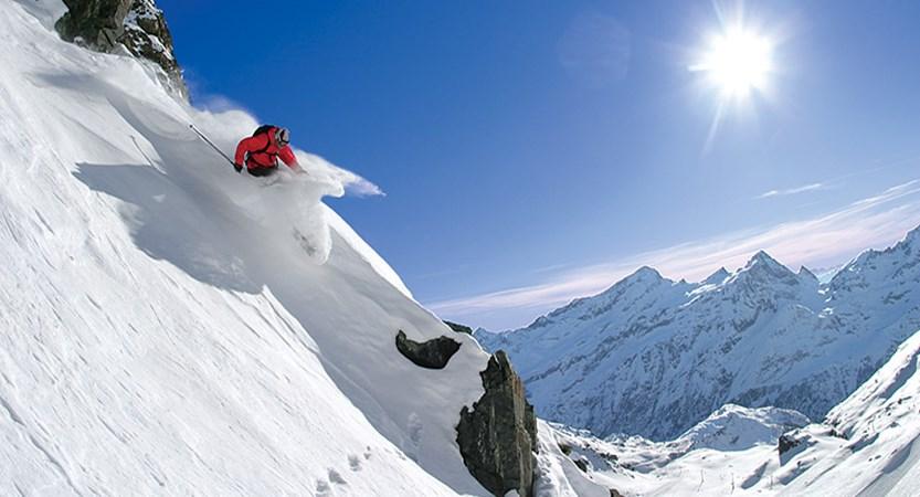 Italy_champoluc_skier.jpg