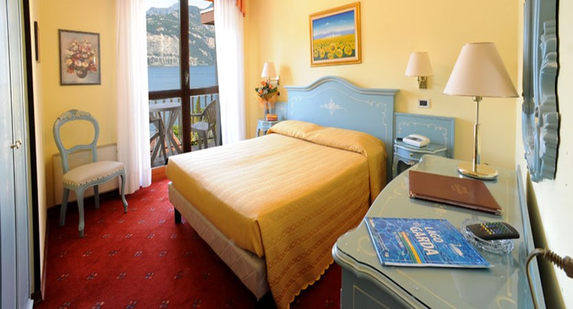 Hotel Cristallo, Malcesine, Lake Garda, Italy - Typical balcony lake view room.jpg