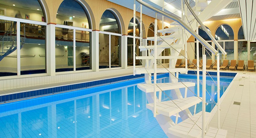 Switzerland_Graubünden-Ski-Region_Arosa-Lenzerheide_Hotel_Sunstar_Alpine_indoor_pool.jpg