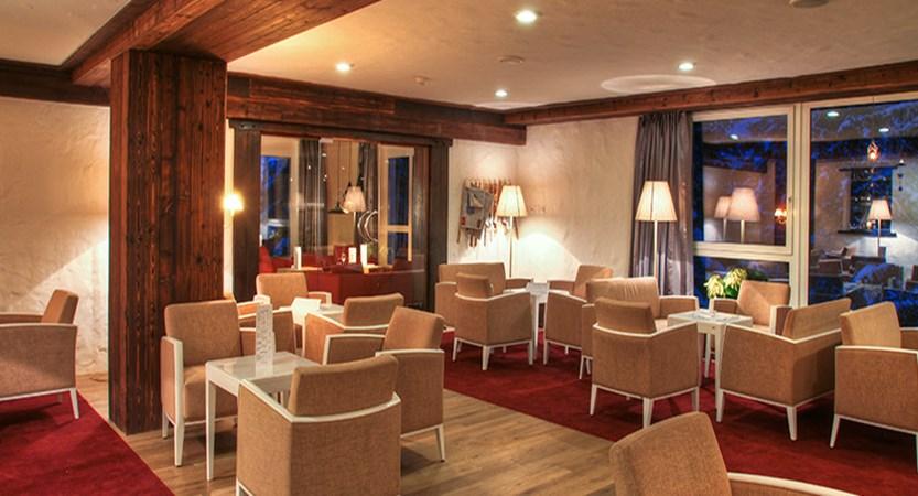 Switzerland_Graubünden-Ski-Region_Arosa-Lenzerheide_Hotel_Sunstar_Alpine_lounge2.jpg