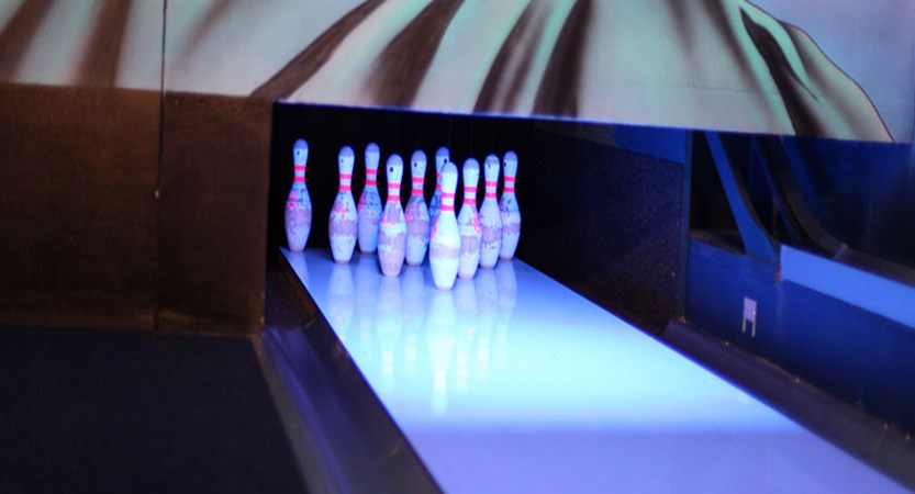 Switzerland_Graubünden-Ski-Region_Arosa-Lenzerheide_Hotel_Sunstar_Alpine_ten-pin-bowling.jpg